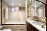 Mizar-626-051-bathroom